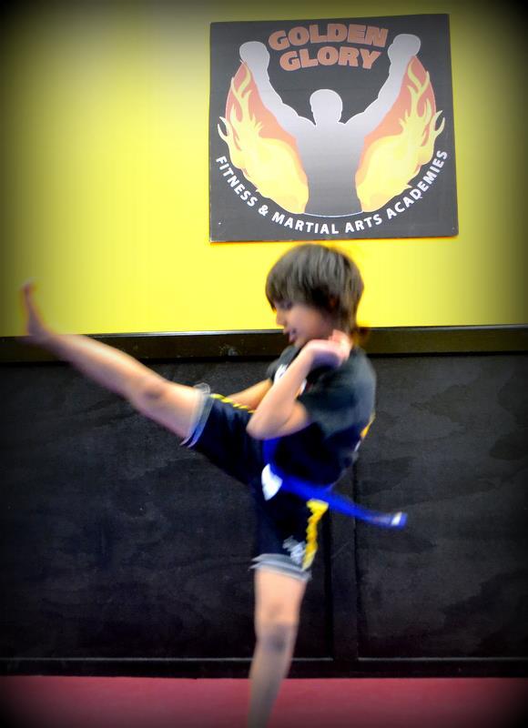boy_kicking